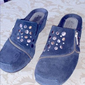 Clogs,blue with studded decorative metal circles.